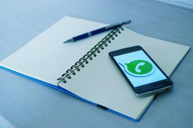 Inviare messaggi broadcast WhatsApp